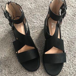 👡 TC sandals 7.5